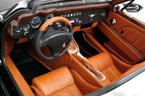 aero-supersports-interior