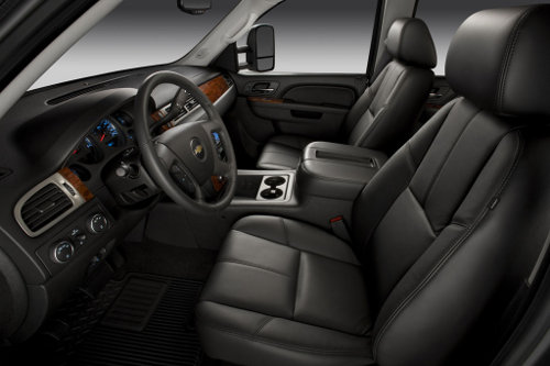 Chevrolet-Silverado-2011-interior2