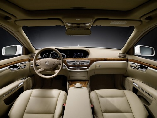 Mercedes-Benz-S400-Hybrid-interior