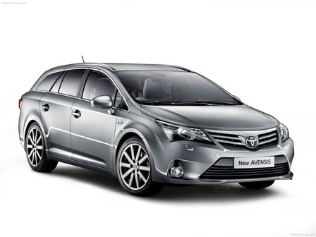 Toyota Avensis-frente