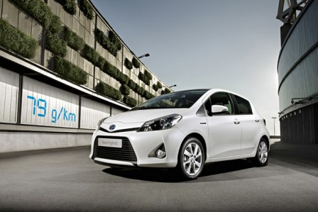 Toyota Yaris Hbrido-frente